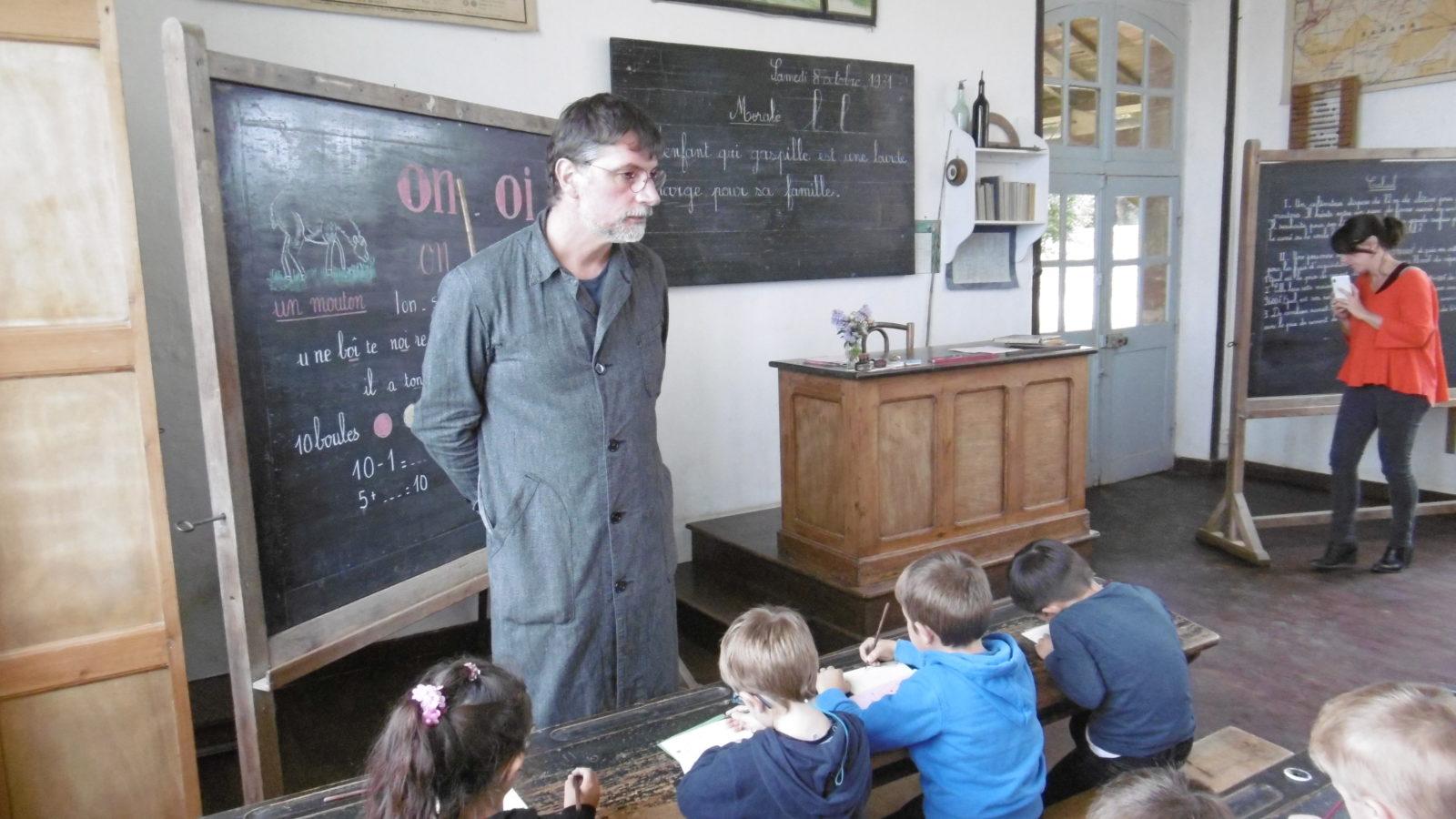 Visite au musée de l'école de Bothoa